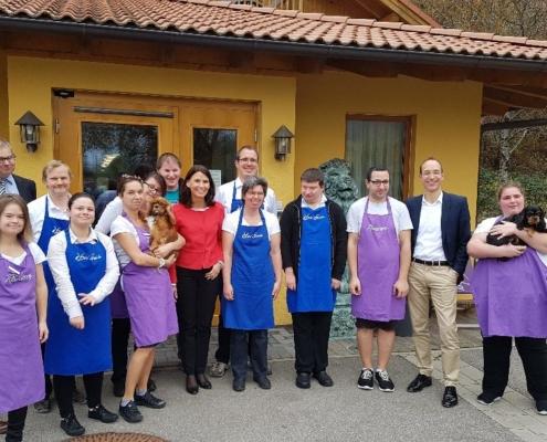 Rita Schwarzelühr-Sutter beim Besuch im Hotel Rheinsberg in Bad Säckingen (Foto: Alexander Wunderle)